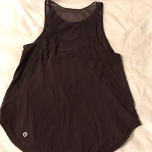 Lulu lemon tank top. fits size small. maroon color